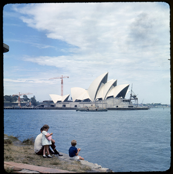 Sydney-Opera-House-under-opførsel-c.-1966-4
