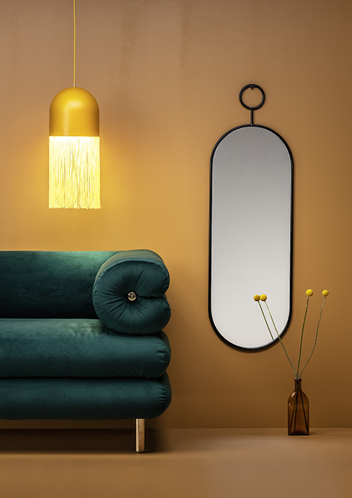 Ebba_sofa_Hide lamp_Po_mirror_editorial_design_Laura Vare_photo_Aleksi Tikkala